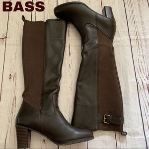 Bass Jasmine brown leather size 7.5 boots EUC heel